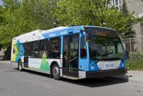 La STM et les Amis de la montagne réalisent leur engagement dans le cadre de Je fais Montréal - Nouveaux bus hybrides sur la ligne 11 - Parc-du-Mont-Royal